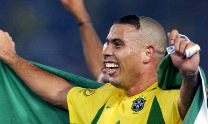 brazilian ronaldo in joyous mood (coronavirus and the football break)