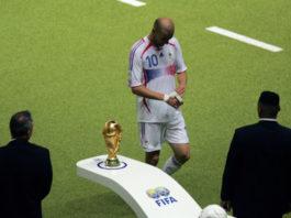 Zinedine Zidane WC walk of shame (football break and coronavirus)